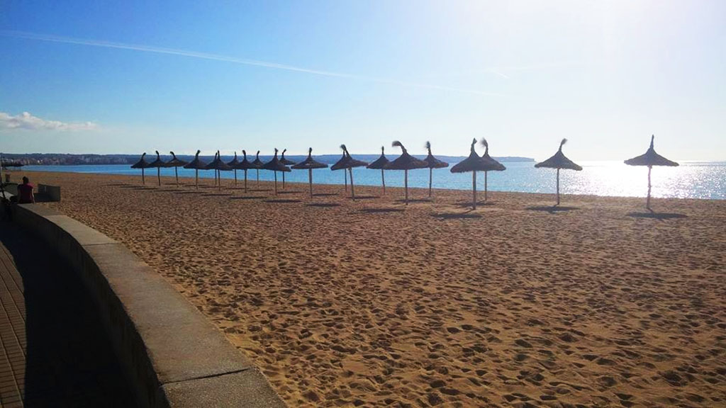The Palma beach, nor Mallorca as a whole, isn't exactly chilly or rainy in December.