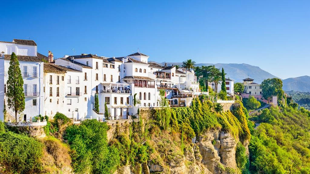 Spanish villas ooze a clear sex appeal that draws thousands of British migrants every year.