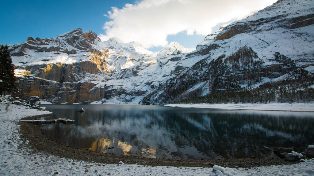 A rather enjoyable 90 minute snow-stroll, at the end of which Oeschinen Lake didn't disappoint